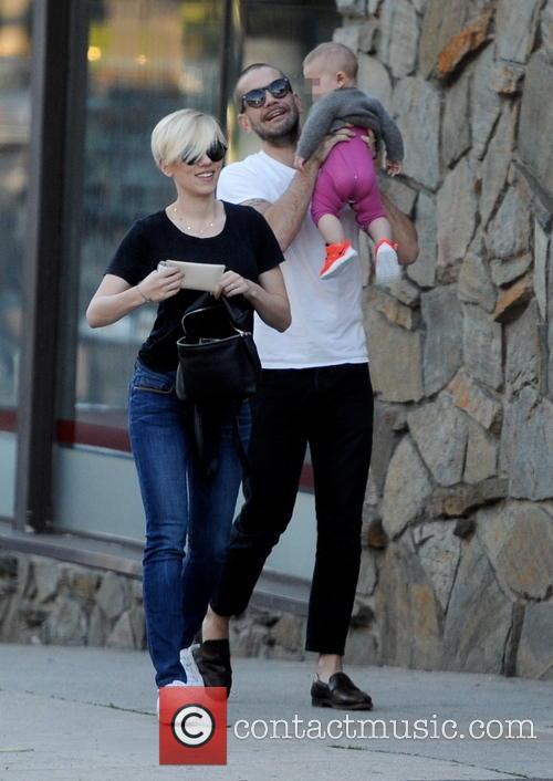 Scarlett Johansson, Romain Dauriac and Rose Dauriac 7