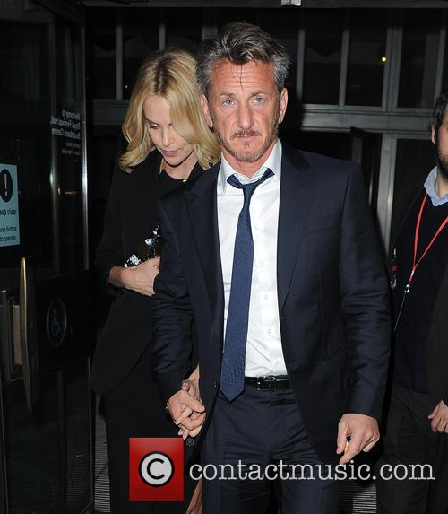 Charlize Theron and Sean Penn 3