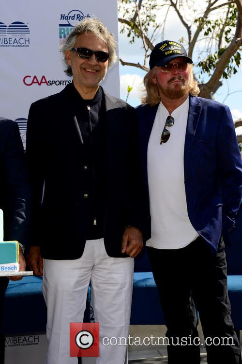 Andrea Bocelli and Barry Gibb 7
