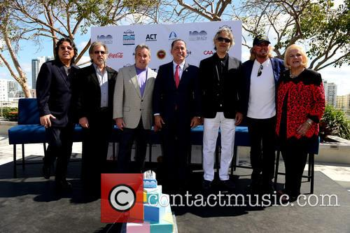 Rudy Perez, Bruce Orosz, James Allen, Philip Levine, Andrea Bocelli, Barry Gibb and Joy V.w. Malakoff 1