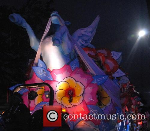 Krewe Of Orpheous 2015 Floats and Paraders 2