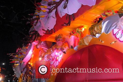 Krewe Of Orpheous 2015 Floats and Paraders 4