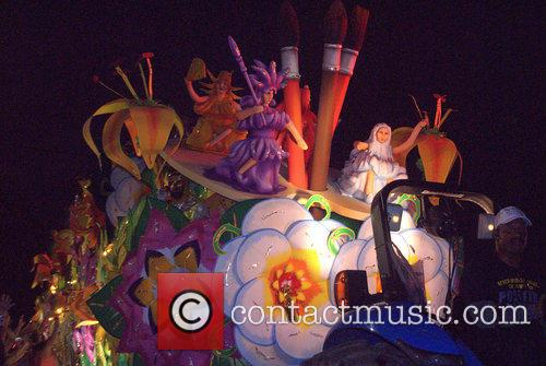 Krewe Of Orpheous 2015 Floats and Paraders 6
