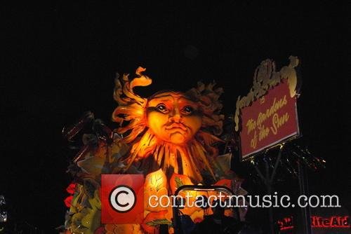 Krewe Of Orpheous 2015 Floats and Paraders 8