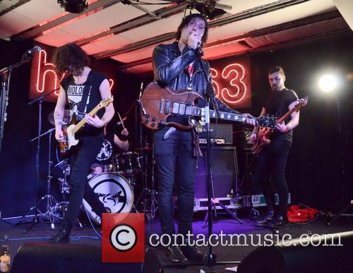 Carl Barat and The Jackals 5