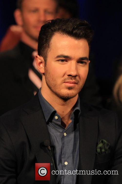 Kevin Jonas - YouTube