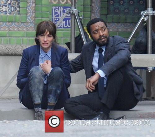Julia Roberts and Chiwetel Ejiofor 2