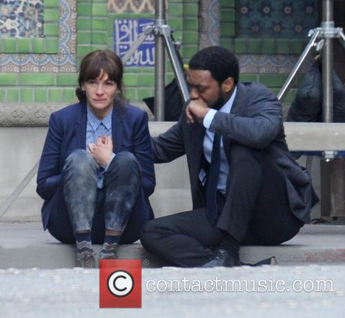 Julia Roberts and Chiwetel Ejiofor 3