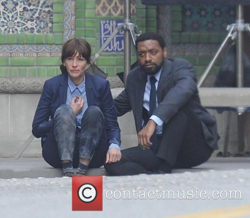 Julia Roberts and Chiwetel Ejiofor 7
