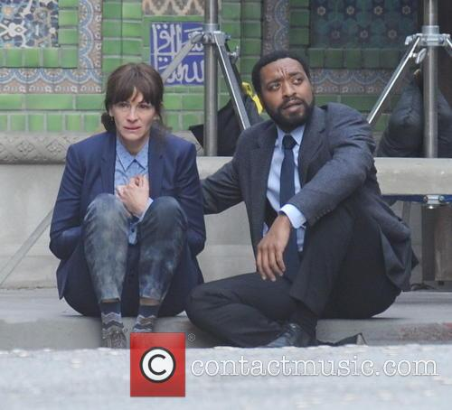Julia Roberts and Chiwetel Ejiofor 11