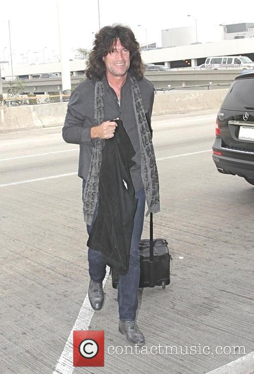 Tommy Thayer 2