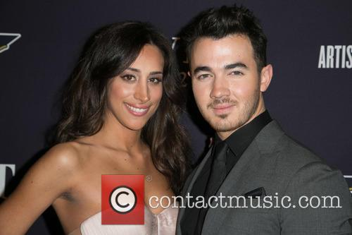 Danielle Jonas and Kevin Jonas 1