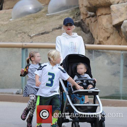 Apollo Rossdale, Zuma Rossdale and Gwen Stefani 8