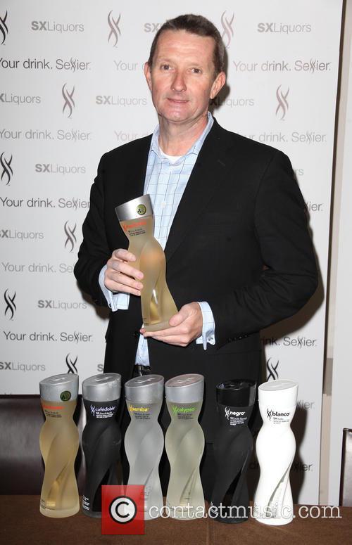 Trey Songz, David Knight and Ceo & Co-founder Of Sx Liquors 3