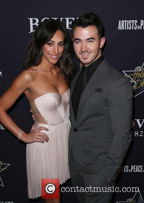 Kevin Jonas and Danielle Jonas 3