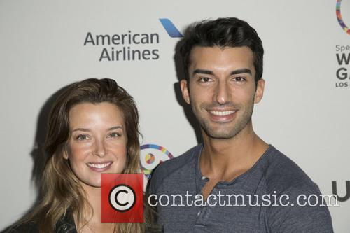 Emily Foxler and Justin Baldoni 4