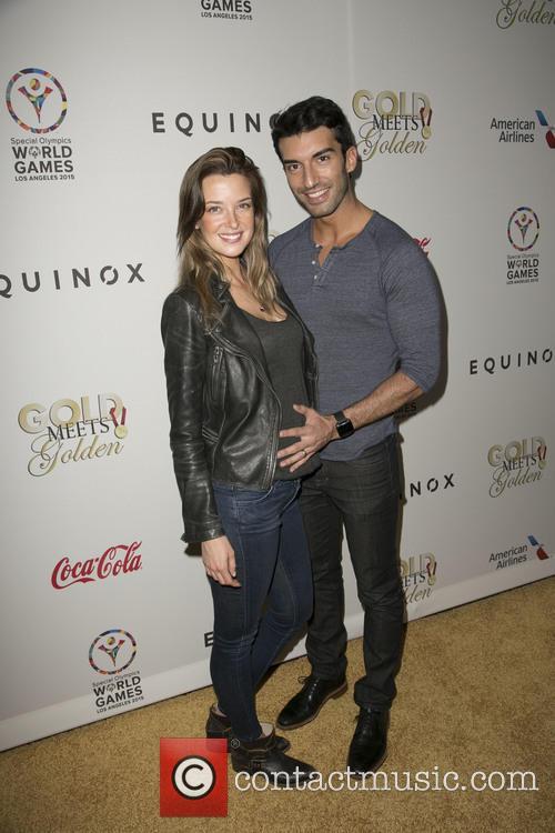 Emily Foxler and Justin Baldoni 5