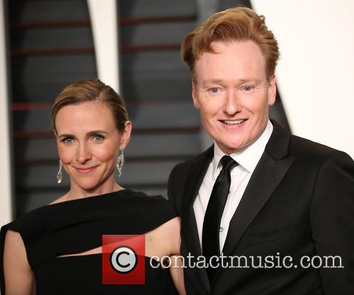 Liza Powel and Conan O'brien 4