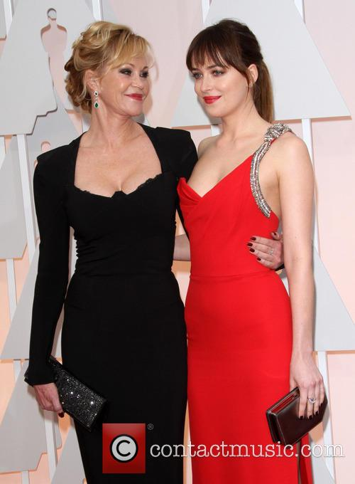 Melanie Griffith and Dakota Johnson 5