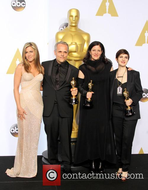 Jennifer Aniston, Dirk Wilutsky, Laura Poitras and Mathilde Bonnefoy 11