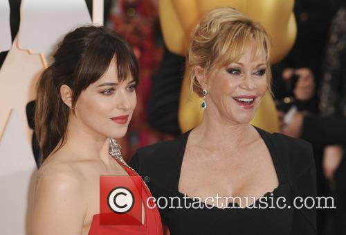 Melanie Grififth and Dakota Johnson 1