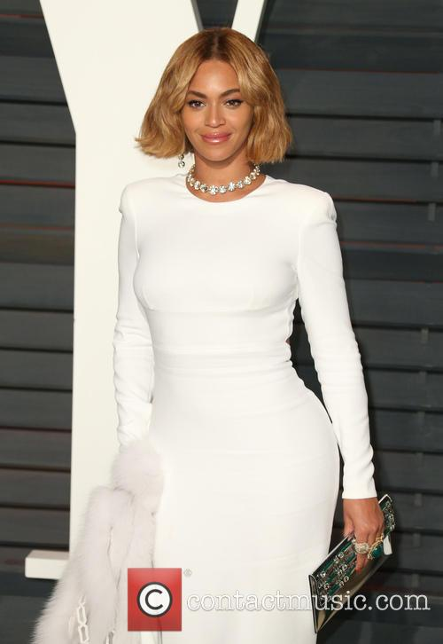 Beyonce at the Vanity Fair Oscars Party