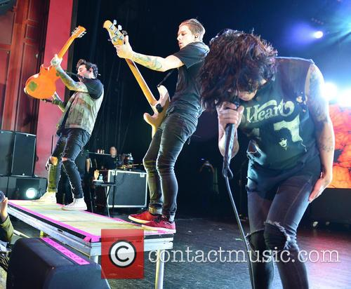 Sirens, Guitarist Jack Fowler, Bassist Justin Hills and Vocalist Kellin Quinn 4