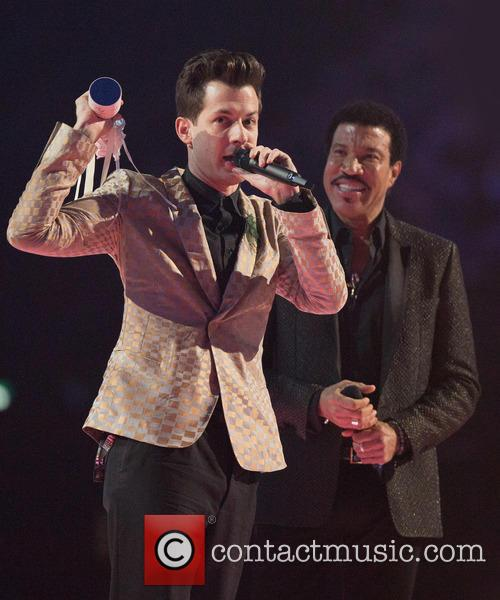 Mark Ronsan and Lionel Ritchie 1