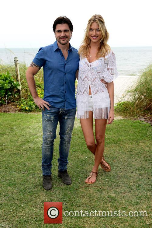 Juanes and Martha Hunt 8