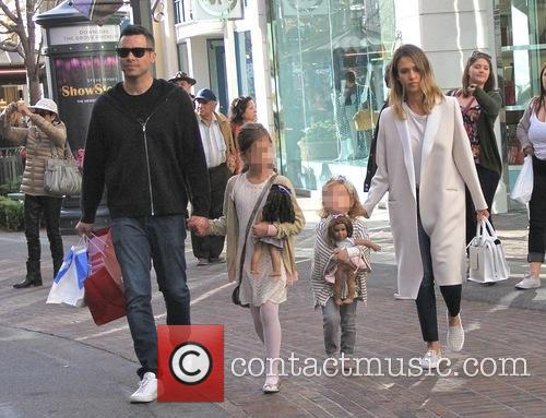 Jessica Alba, Cash Warren, Haven Garner Warren and Honor Marie Warren 8
