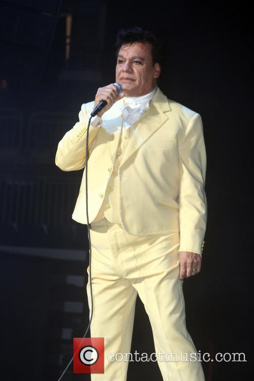 Juan Gabriel and Divo De Juarez 2