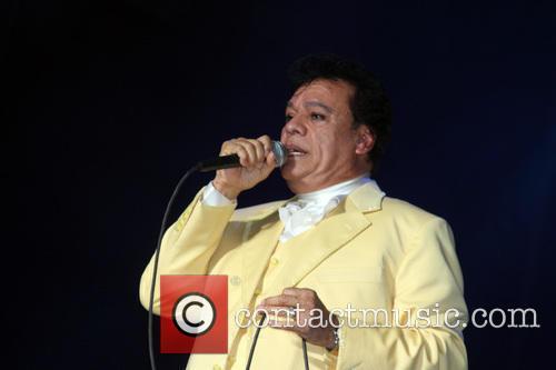 Juan Gabriel and Divo De Juarez 8
