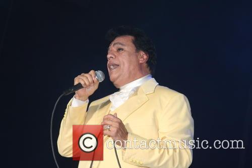 Juan Gabriel and Divo De Juarez 10
