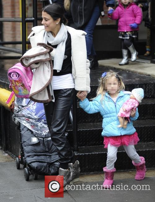 Bethenny Frankel picks her daughter up from school