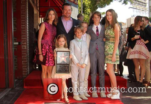 Caroline Fentress, Chris O'donnell, Lily Anne O'donnell, Finley O'donnell, Christopher O'donnell Jr., Maeve Frances O'donnell and Charles Mchugh O'donnell 4