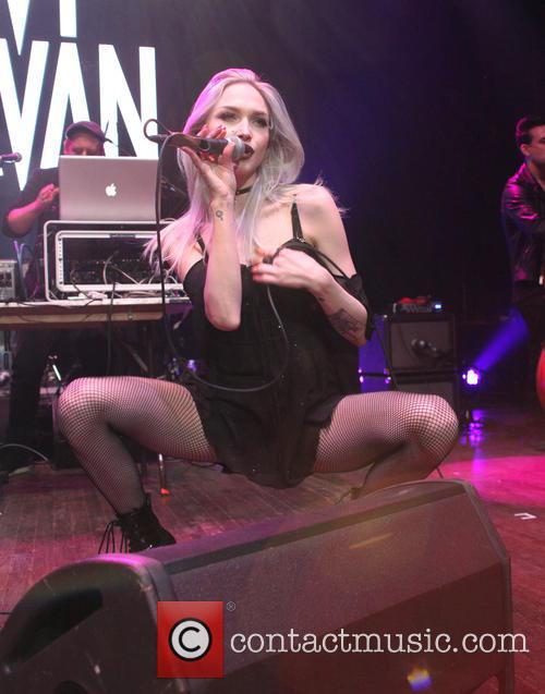 Ivy Levan 2
