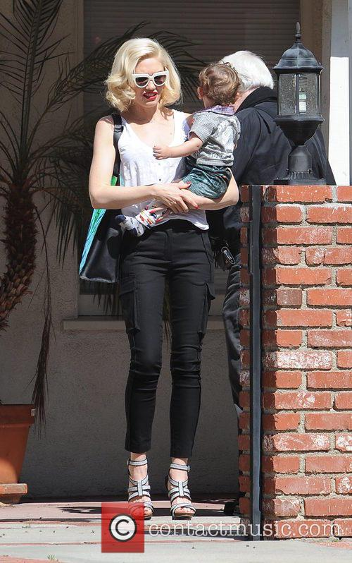 Gwen Stefani and Apollo Rossdale 4