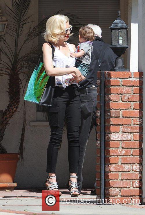 Gwen Stefani and Apollo Rossdale 5