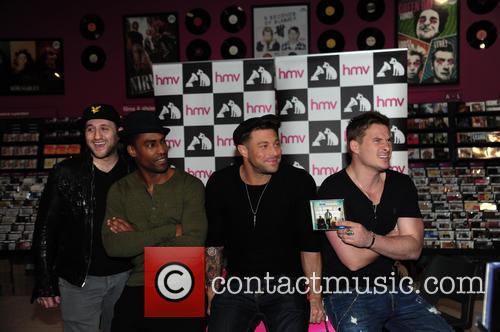 Blue, Antony Costa, Simon Webbe, Duncan James and Lee Ryan 6