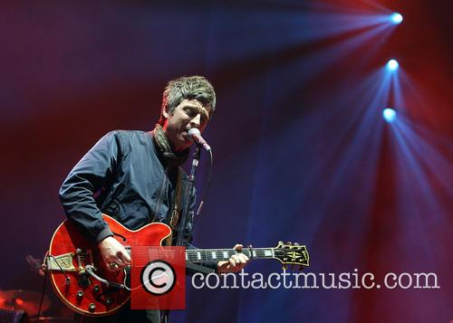 Noel Gallagher and Noel Gallaghers High Flying Birds 10
