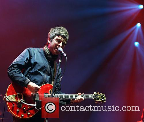 Noel Gallagher and Noel Gallaghers High Flying Birds 11