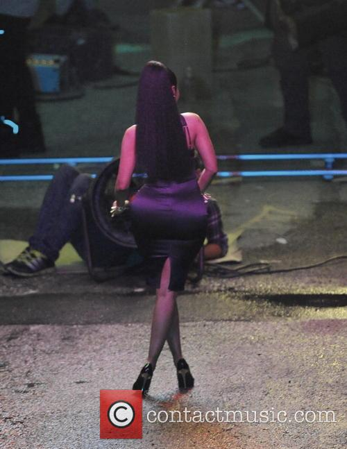 Nicki Minaj shows off her curves for new...
