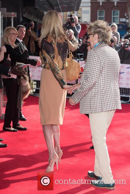 Penny Lancaster Stewart and Rod Stewart 8