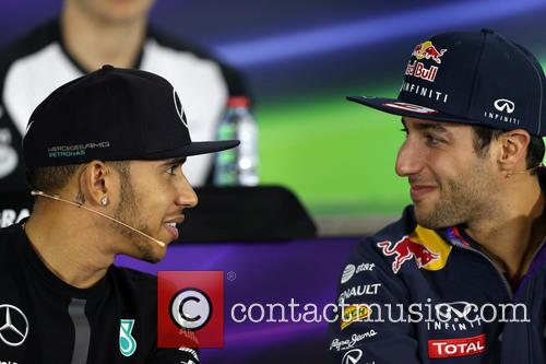 Lewis Hamilton and Daniel Ricciardo 3