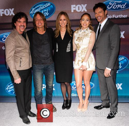 (l-r) Businessman/american Idol Mentor Scott Borchetta, Singers Keith Urban, Jennifer Lopez and Harry Connick Jr 1