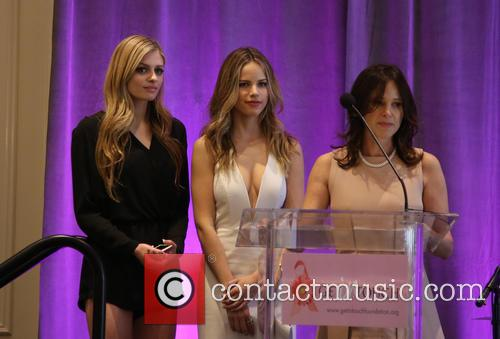 Kate Pitney, Halston Sage and Tema Sage 2