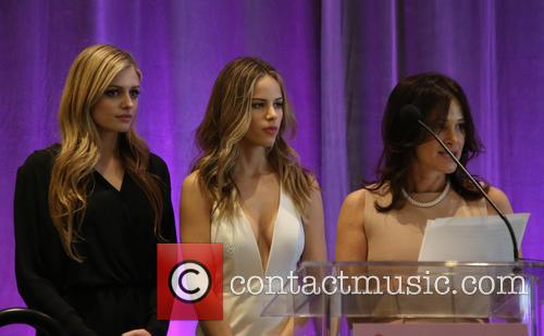 Kate Pitney, Halston Sage and Tema Sage 3