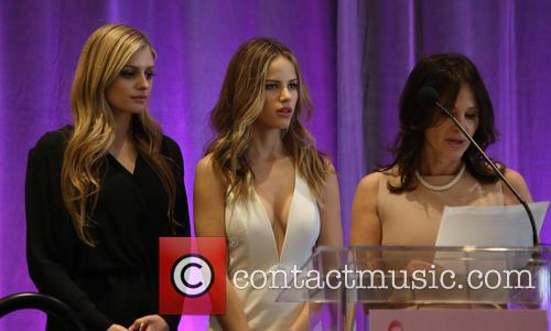Kate Pitney, Halston Sage and Tema Sage 4