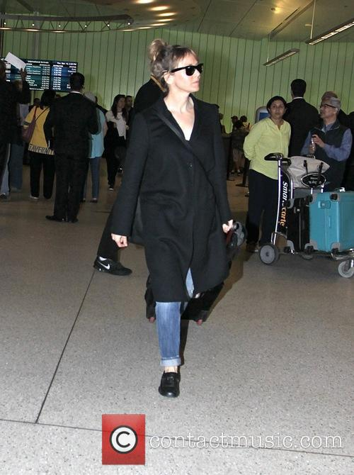 Renee Zellweger back from Paris