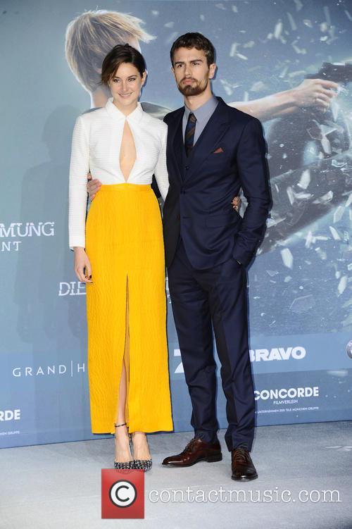 Shailene Woodley and Theo James 2